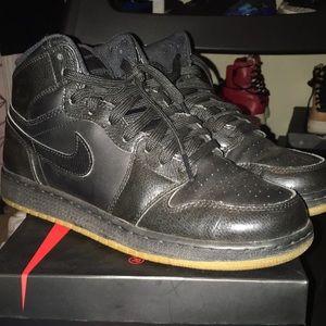 Jordan 1 Retro Black Gums